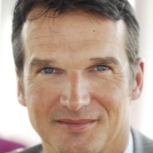 Spiegel chef brinkb umer freut sich ber mehr tempo turi2 for Spiegel letzte ausgabe