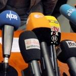 Mikrofone-150 Pressekonferenz