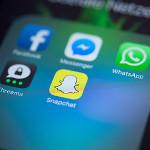 Smartphone Whatsapp Facebook Social Media-150