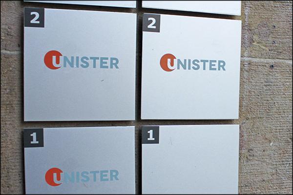 Unister-Hausschilder600