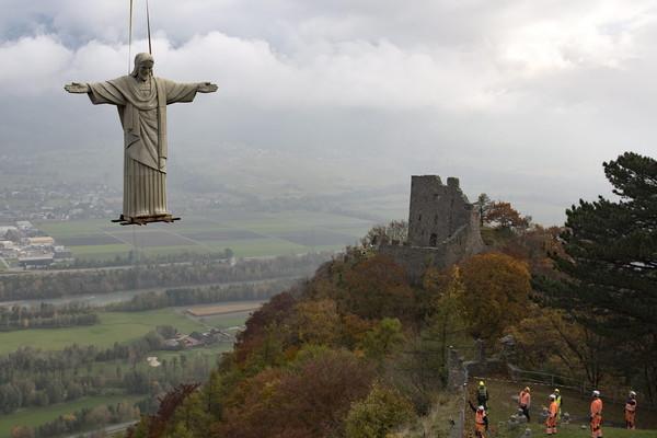 Copy of Christ the Redeemer statue in Switzerland