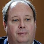 Kanzleramtschef Helge Braun will Uploadfilter national verhindern.