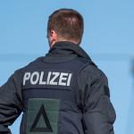 http://www.spiegel.de/karriere/verwaltungsgericht-berlin-auch-mit-grossen-tattoos-kann-man-polizist-werden-a-1220331.html